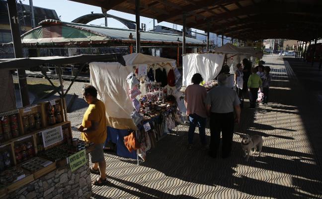 Langreo Centro llena sus fiestas de cultura, música y tradición