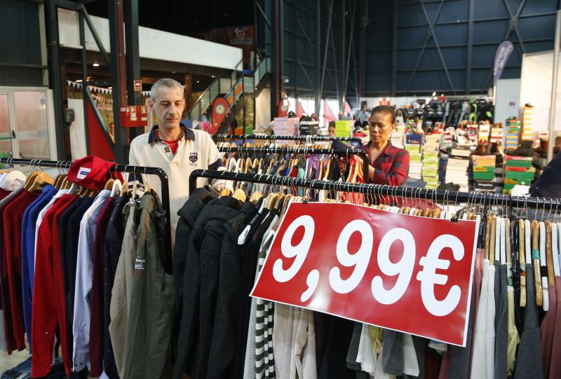 La Feria de Stocks de Gijón abre sus puertas