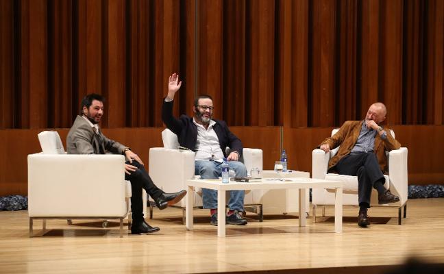 Arturo Pérez-Reverte: «Algunos enemigos se hacen respetar más que los amigos»