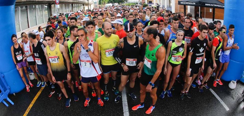 Julio César Álvarez e Isabel Barreiro, los más rápidos en la carrera Santa Olaya-Grupo