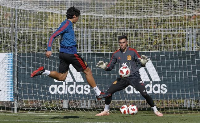 Dani Martín debuta en el entrenamiento con la sub 21