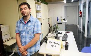 El concejal de Urbanismo de Oviedo, amenazado con un cuchillo de grandes dimensiones