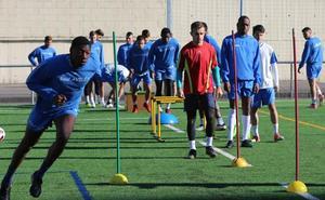 Castañón inició la preparación del partido frente al Llanes