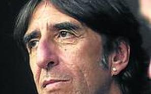 Benjamín Prado, en la cátedra Ángel González