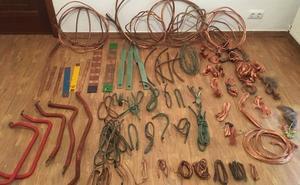 Detenido un vecino de Vegadeo por robar cobre en la empresa de montajes eléctricos en la que trabajaba