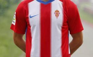 El Sporting inicia los contactos para vestir al equipo el próximo curso