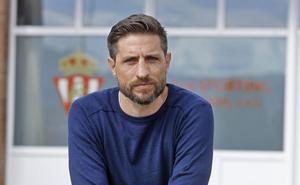 «Guardo la camiseta del Sporting junto a la réplica de la Copa América»
