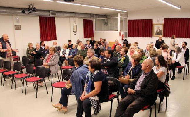 Bronca en Perlora ante el impago de la obra de reforma de la iglesia