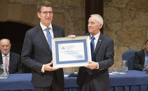 Núñez Feijoo, miembro de honor de la Cofradía del Desarme de Oviedo 2018