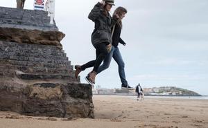 La pérdida de arena obliga a revisar las estructuras de la playa de San Lorenzo