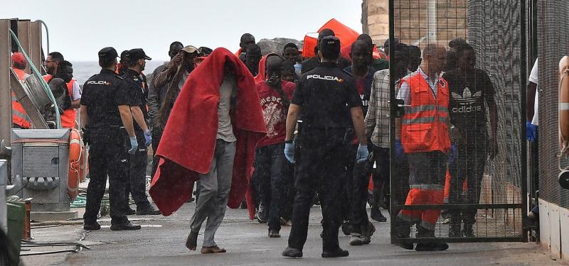 Ascienden a 271 las personas rescatadas este viernes en cinco pateras