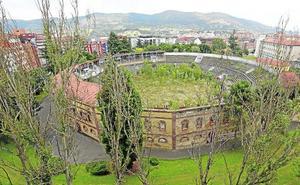 La maleza se come símbolos de Oviedo