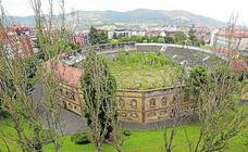 La maleza se come lugares emblemáticos de Oviedo