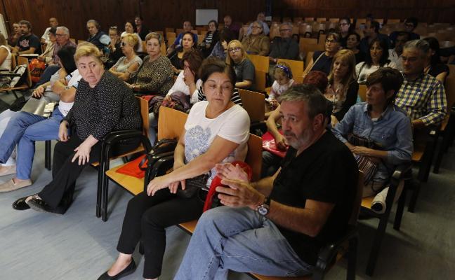 Los afectados por el cierre de iDental se constituyen en asociación