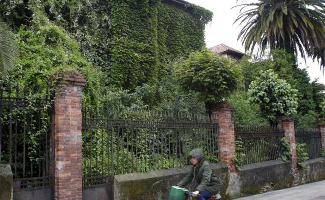 La oposición lamenta el abandono de algunos edificios emblemáticos