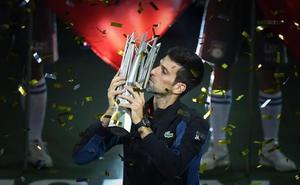 Djokovic reina en Shanghái y se acerca al trono mundial