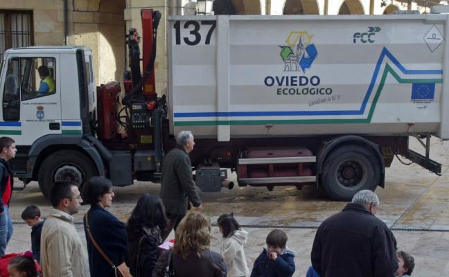 Oviedo reciclará la materia orgánica con cubos marrones y recogida tres días a la semana