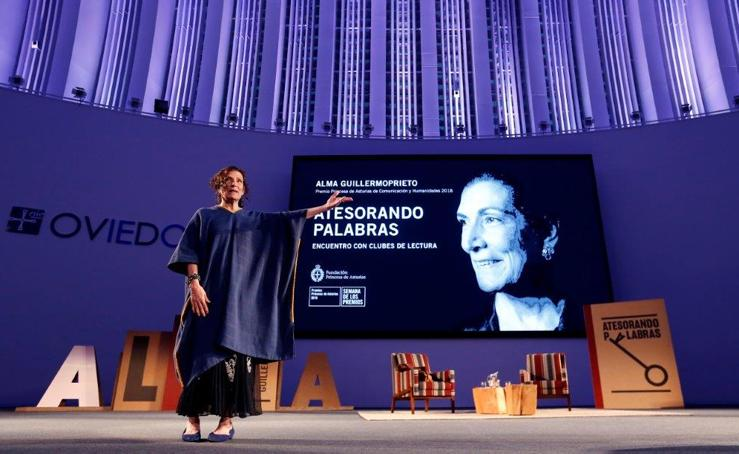 Lección de escritura de Alma Guillermoprieto en Oviedo