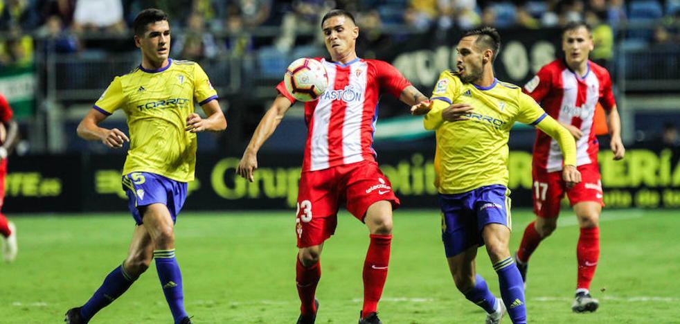 Un Sporting de dos caras suma un punto en Cádiz