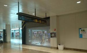 Fernando Alonso cierra su tienda del aeropuerto de Asturias