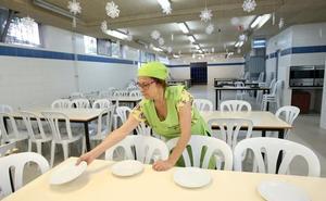 Las Ampas de diecisiete colegios piden reunirse con la empresa de comedores y el Ayuntamiento