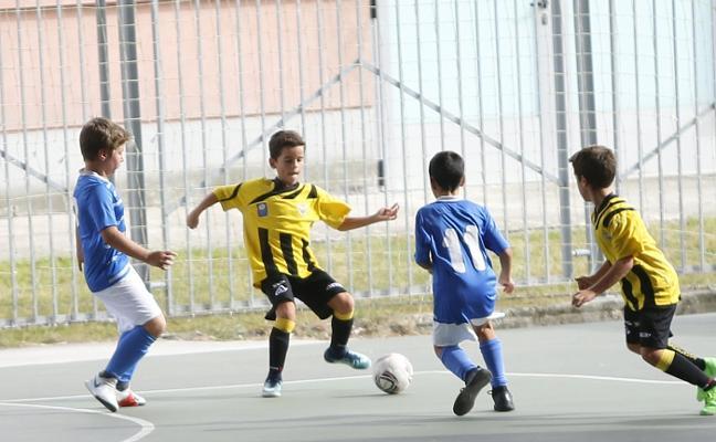 El Sporting y el Oviedo mantienen el pulso