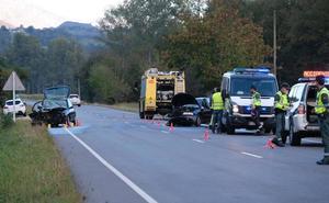 Dos heridos en un accidente de tráfico en Cangas de Onís