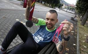Los cuatro maratones de un asturiano contra la leucemia