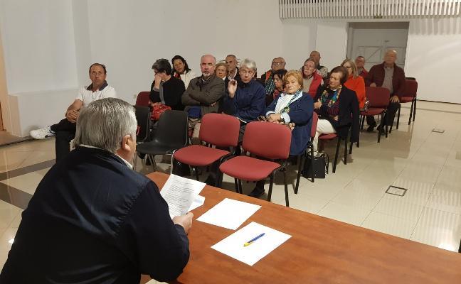 El Casino de Luarca convoca elecciones en octubre para negociar la cesión de su edificio
