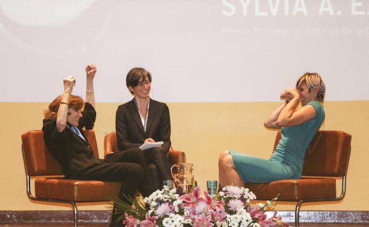 Sylvia A. Earle visita el IES Doña Jimena