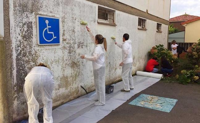 Voluntarios de Carrefour colaboran con Xurtir
