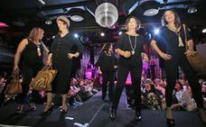 Desfile para luchar contra el cáncer de mama en Gijón