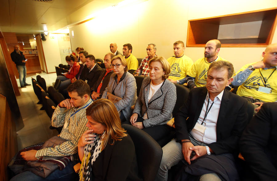 La Junta exige a Alcoa que «rectifique» su decisión de cierre en Avilés