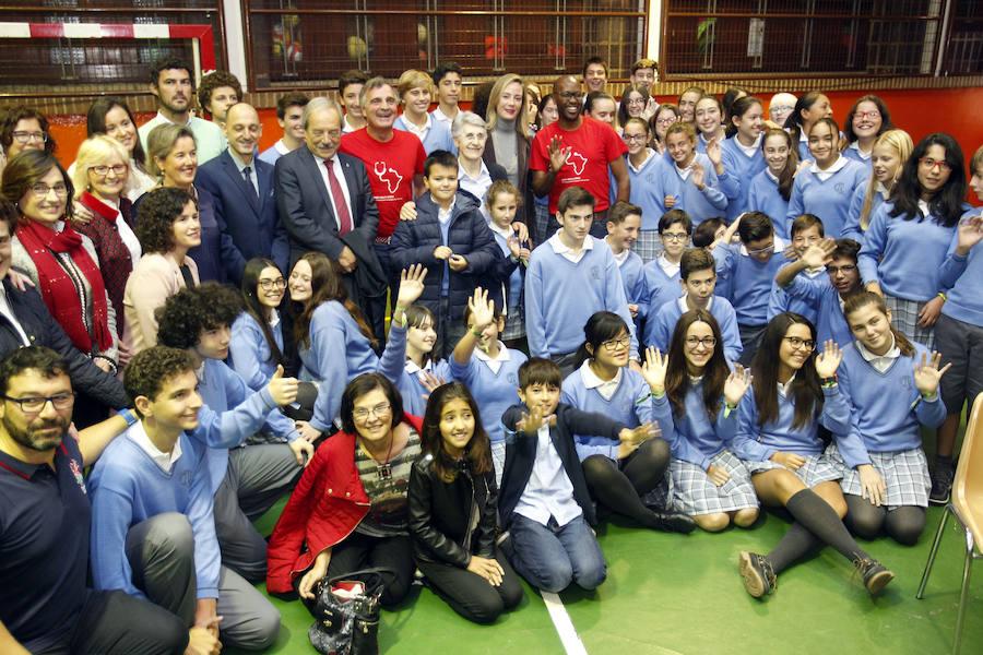 Oviedo recibe a los representantes de Amref Health
