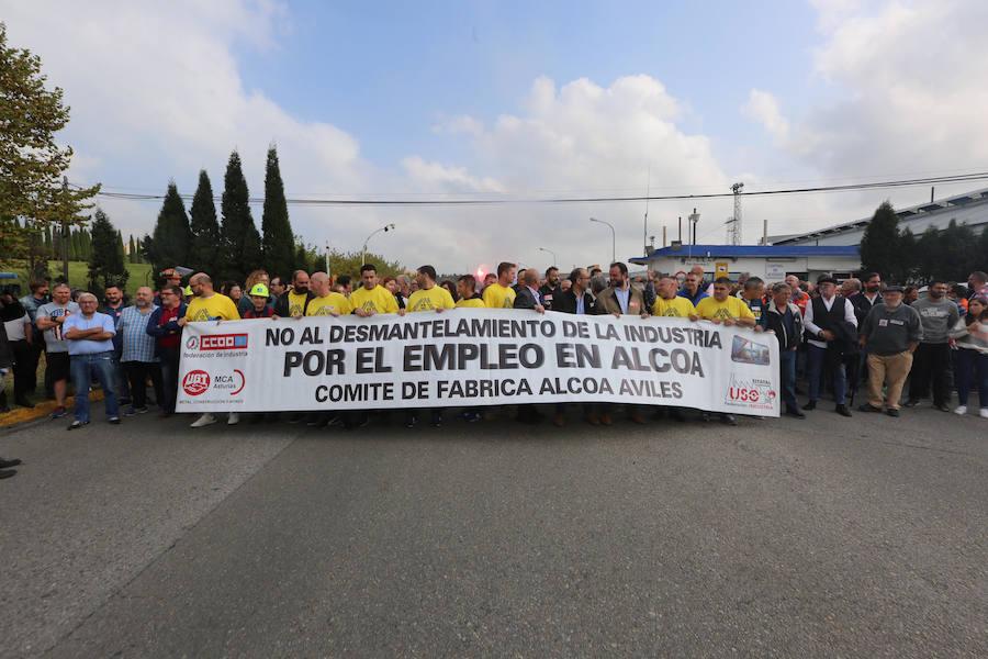 Los trabajadores de Alcoa se concentran contra el cierre