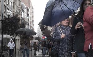 Las fuertes lluvias dejan retenciones kilométricas en la A-66, a la altura de Oviedo