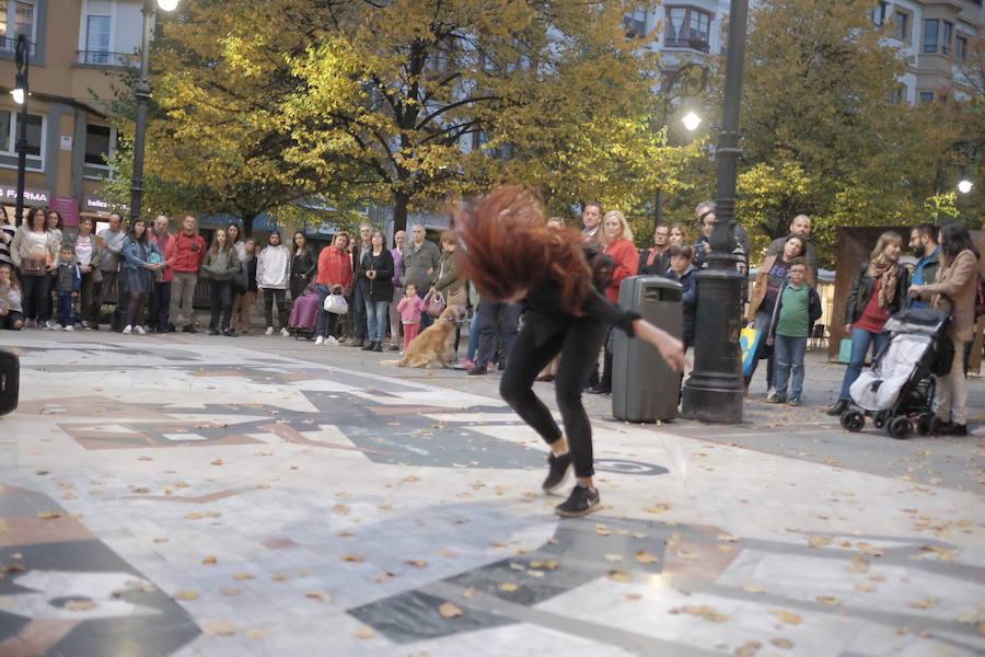 Danza Xixón, entre la calle y el Jovellanos