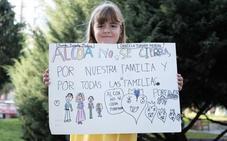 El mensaje de una niña que llama la atención en la protesta contra el cierre de Alcoa