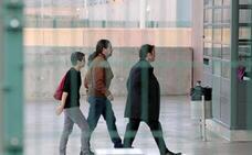 Iglesias continúa su ronda de contactos con Puigdemont y Urkullu