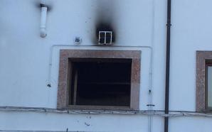Incendio en el hogar del pensionista de Cangas de Onís