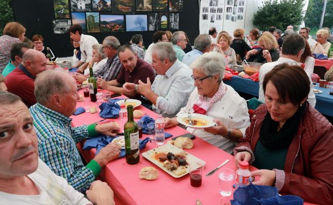 La 'fabadona' pone el broche a la Fiesta de Serondaya en Cenera