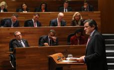 Javier Fernández fija como prioridad «revertir» el cierre de Alcoa y un pacto presupuestario con Podemos e IU
