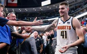 Los Nuggets vencen a los Warriors