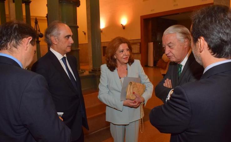 Jorge Cosmen recibe el premio Figura de Prestigio