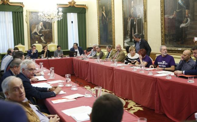 Fomento traslada a Moriyón que el convenio del plan de vías «está inmaduro» para su firma