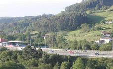 La Guardia Civil intercepta de madrugada un 'kamikaze' en la autopista 'Y'