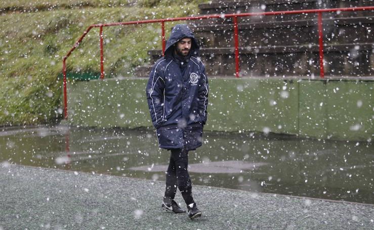 La nieve llega a Oviedo