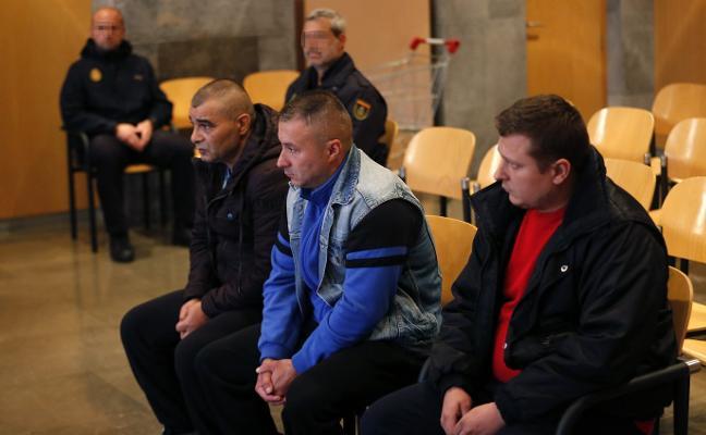 Los procesados por robar en pisos en Oviedo y León asumen su autoría