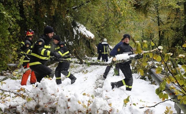 El ejército alcanza su objetivo tras seis horas contra la nieve