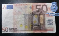 Detenido por distribuir billetes falsos de 20 y 50 euros en bares de Gijón